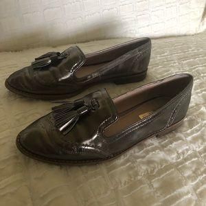 Louise et cie silver tassel loafer Oxford 8.5